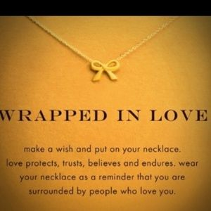 🆕🆕 Wrapped in love necklace 💞